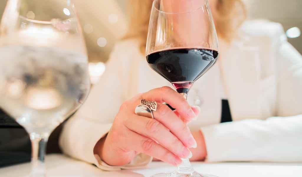 Лечение женского алкоголизма в Глубоком анонимно